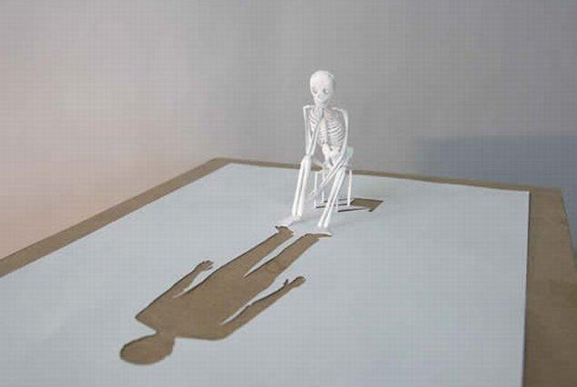 https://llucax.com/blog/posts/2010/06/03-breathtaking-sculptures-made-out-of-a-single-paper-sheet.jpg