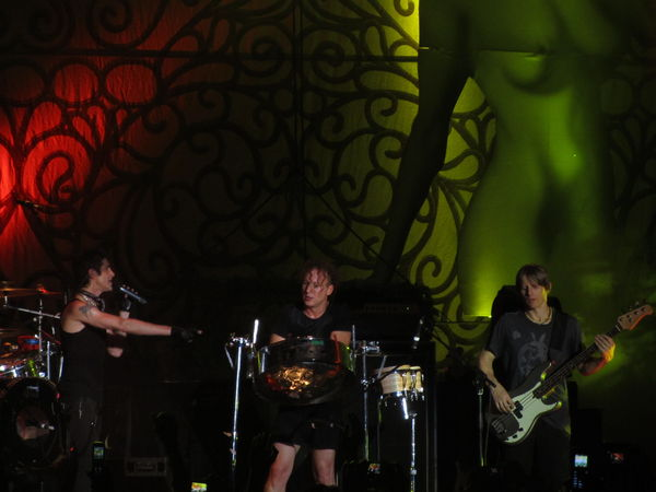 Perry Farrell, Stephen Perkins t Eric Avery