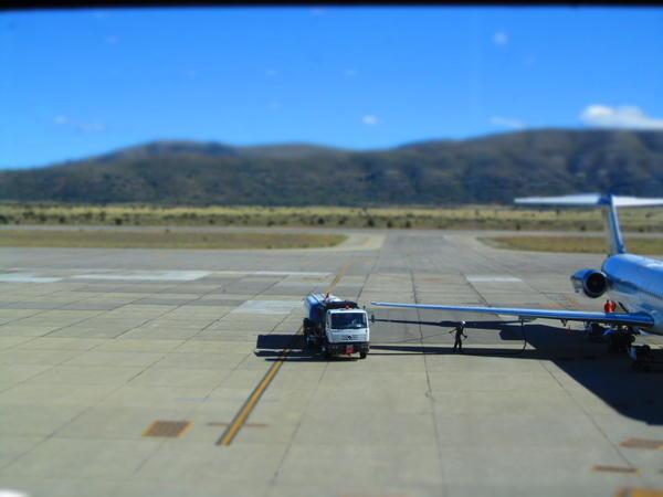 El avión (cargando nafta)