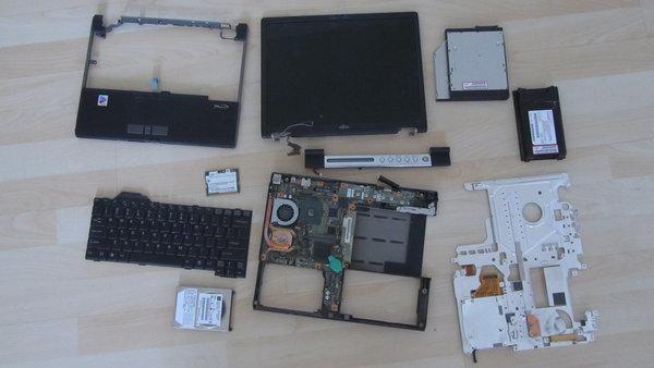 Fujitsu S6240's guts